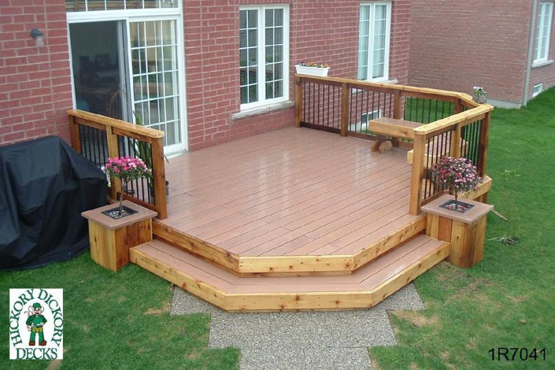 Medium Size Deck With Planters And A Bench 1r7041