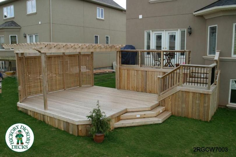 Large, high, two level deck with privacy screen and pergola (#2RGCW7003) - Pergola DIY Deck Plans