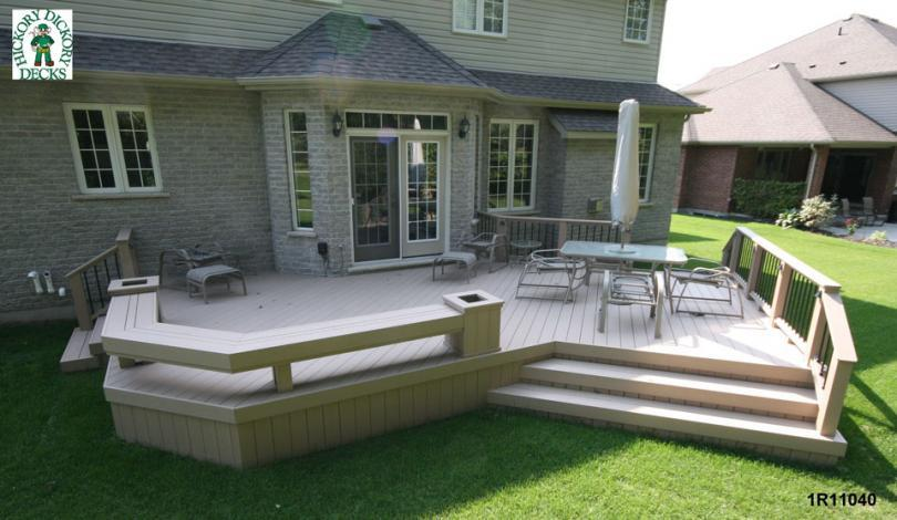 Deck with Planters and Benches Plans